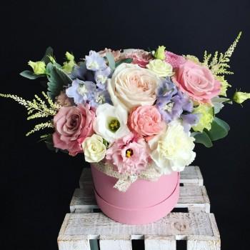 Цветы в шляпной коробке «Ангел»