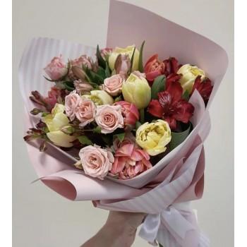Букет с тюльпанами и розами «Доброе утро»